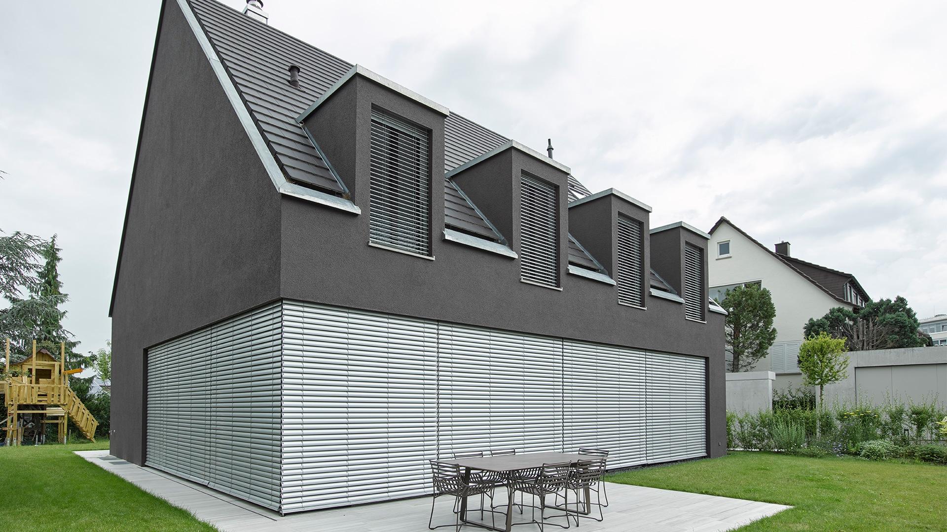zanker raffstore 02 - Sonnenschutz für Firmengebäude