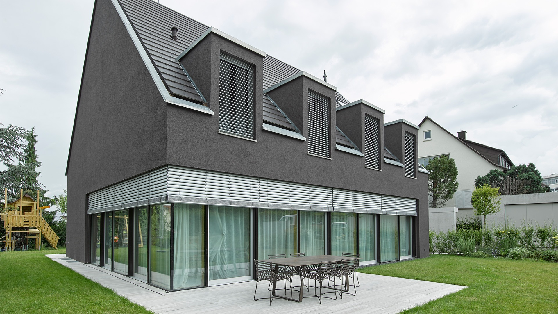 zanker raffstore 04 - Sonnenschutz für Fenster und Fassade