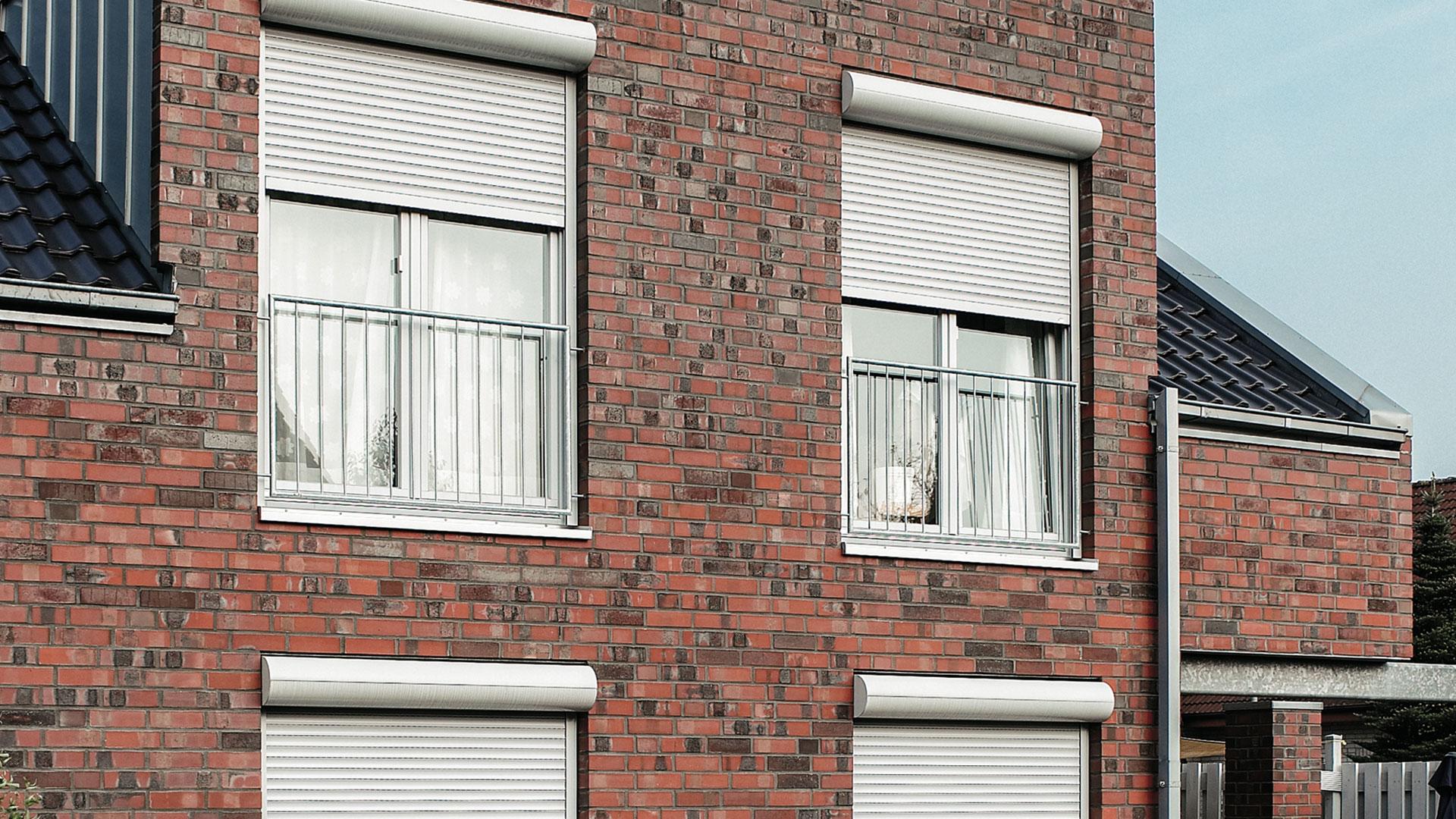 zanker Rollladen 06 - Sonnenschutz für Firmengebäude