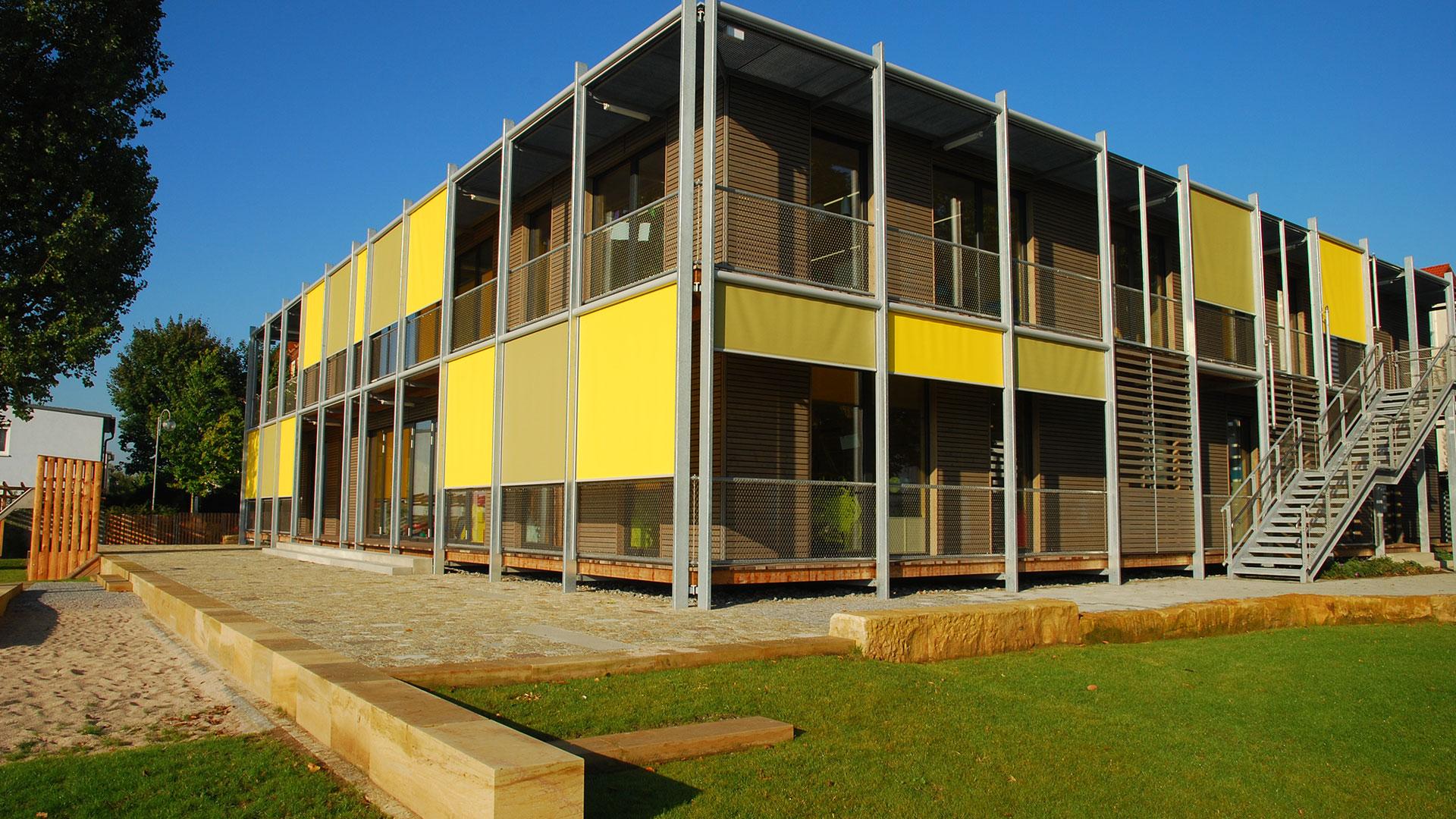 zanker textilscreen 10 - Sonnenschutz für Firmengebäude